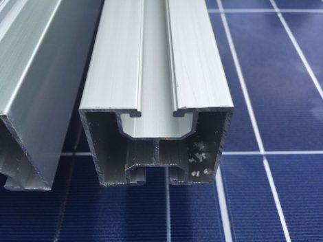 alumínium profil sín napelem szereléshez 40 x 40 x 1,2mm 5300  mm-es szálban