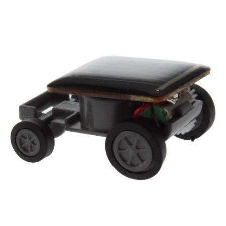 napelemes autó