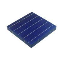 0,5V 4,3W 156x156mm kisméretű polikristályos napelem cella. Nagyméretű napelemtábla is építhető belő