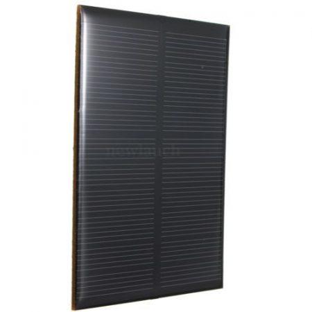5V 1,2W 110x70mm kisméretű polikristályos napelem. Vízálló bevonattal, külön tokozást nem igényel!