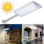 Napelemes távirányítós LED kültéri lámpa